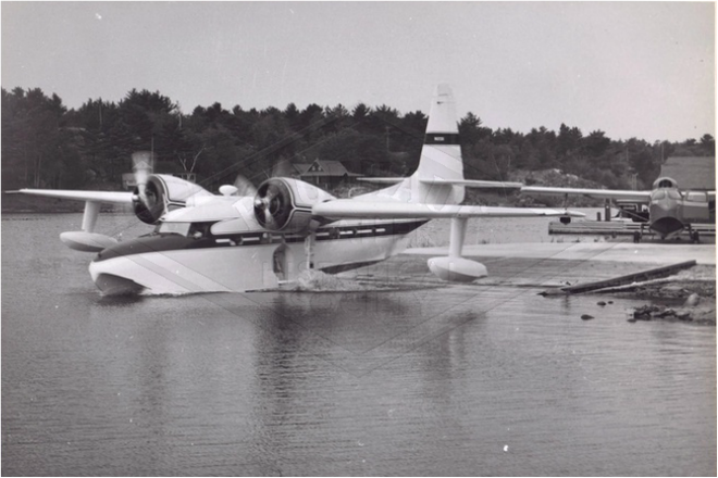 Grumman Mallard N1208 at Killarney Lodge